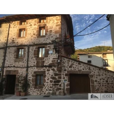 Casa Rústica en C/ San Lázaro en venta en Ezcaray (Fachada)