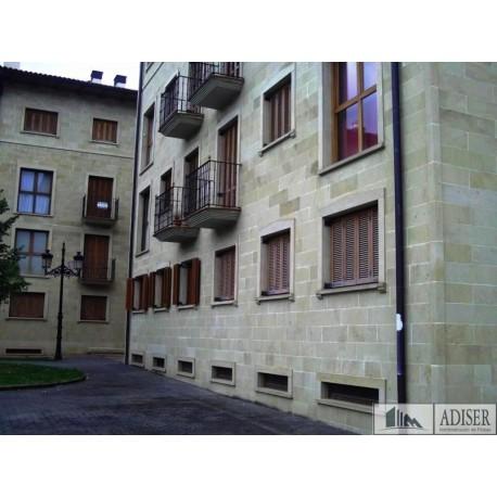 Piso en venta en calle La Teñas 25A, Ezcaray (fachada)